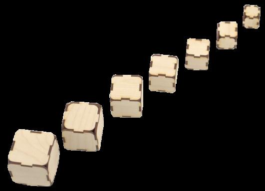7 augoša izmēra kluču komplekts. Katram klucim, to pakratot ir dzirdama kluča izmēram atbilstoša augstuma skaņa.  Iespējamie uzdevumi ir:  1.Salīdzināt 2 vai vairākus klučus pēc izmēra sarindot tos augošā vai dilstošā secībā;  2.būvēt torņus (piramīdas) kā pamatu izmantojot gan lielāko, gan mazāko kluci; 3.sarindot klučus pēc katram atbilstošās skaņas augstuma (to var darīt arī ar aizvērtām acīm); 4.salīdzināt un pēc skaņas noteikt lielāko vai mazāko no 2 vai vairākiem klučiem, izprast sakarību starp skaņu un izmēru.