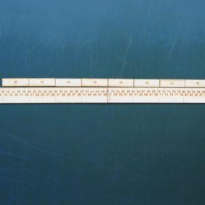 Saliekams metra lineāls