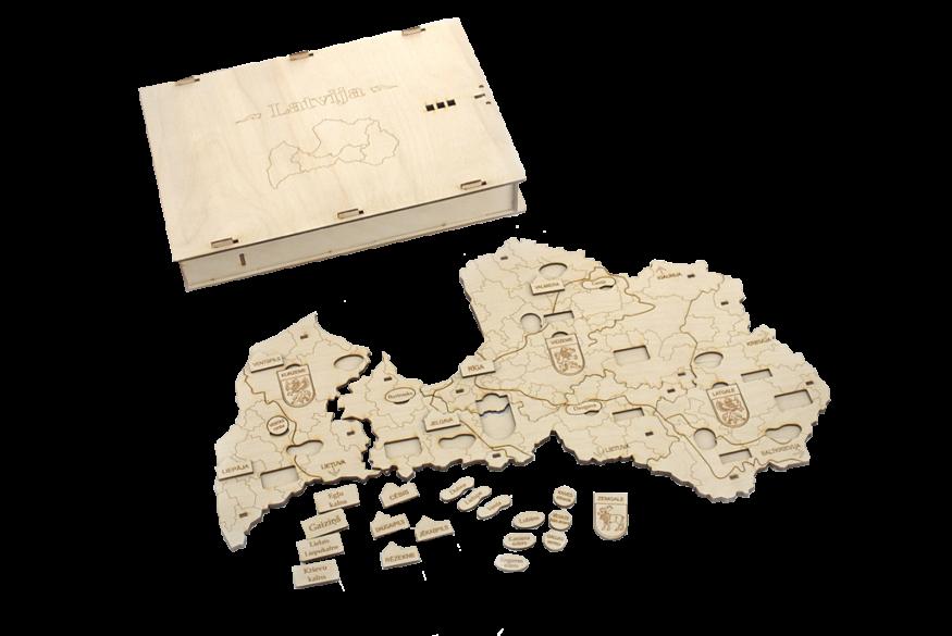 Latvijas novadu karte ir makets, veidots no savstarpēji savienojamiem četriem kultūrvēsturiskajiem novadiem un ievietojamu kauliņu (ar lielāko pilsētu, upju, ezeru, kalnu un īpašu vietu nosaukumiem) komplekts. Paredzēts sagatavošanas un sākumskolas vecuma bērniem pamatzināšanu par Latvijas ģeogrāfiju apgūšanai spēles formā.
