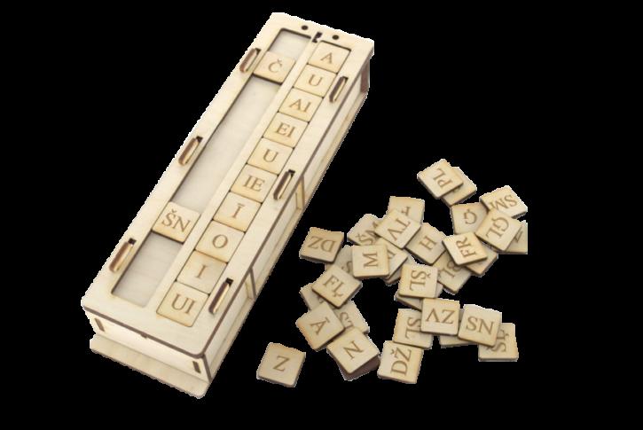 Zilbju muzle ir didaktisks materiāls latviešu valodas burtu, skaņu un to savienojumu apgūšanai.  Komplektā ietilpst 80 kauliņi ar burtiem (visi patskaņi, divskaņi, līdzskaņi un biežāk lietojamie līdzskaņu savienojumi), kā arī tāfelīte ar divām paralēlām slejām kauliņu ievietošanai, kas sniedz iespēju veidot ļoti lielu skaitu dažādu zilbju veidu.  Lietojot kauliņus slejās horizontālā virzienā, var veidot dažādus vārdus.