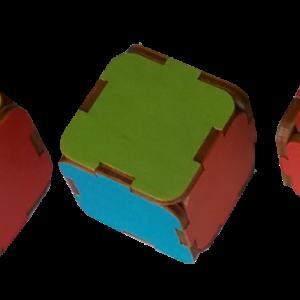 Krāsaino,skanošo kluču piramīda